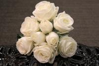 "PA10121WH Rose Bqt 6 Flowers 3 Buds (Nat Touch) White 18""   ***INSTOCK***"