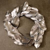 XM11972SI Metallic Magnolia Leaf Wreath Silver 24""