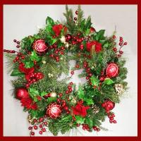 XZ10073RD Mixed Pine Rose Ornament Wreath Red 30""