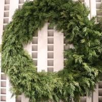 XM11318GR Pine Wreath Green 28""