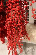 XM11324RD Plastic Ilex Berry Garland Red 10'