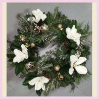 XZ10072WHGO Mixed Pine Magnolia Ornament Wreath White Gold 30""